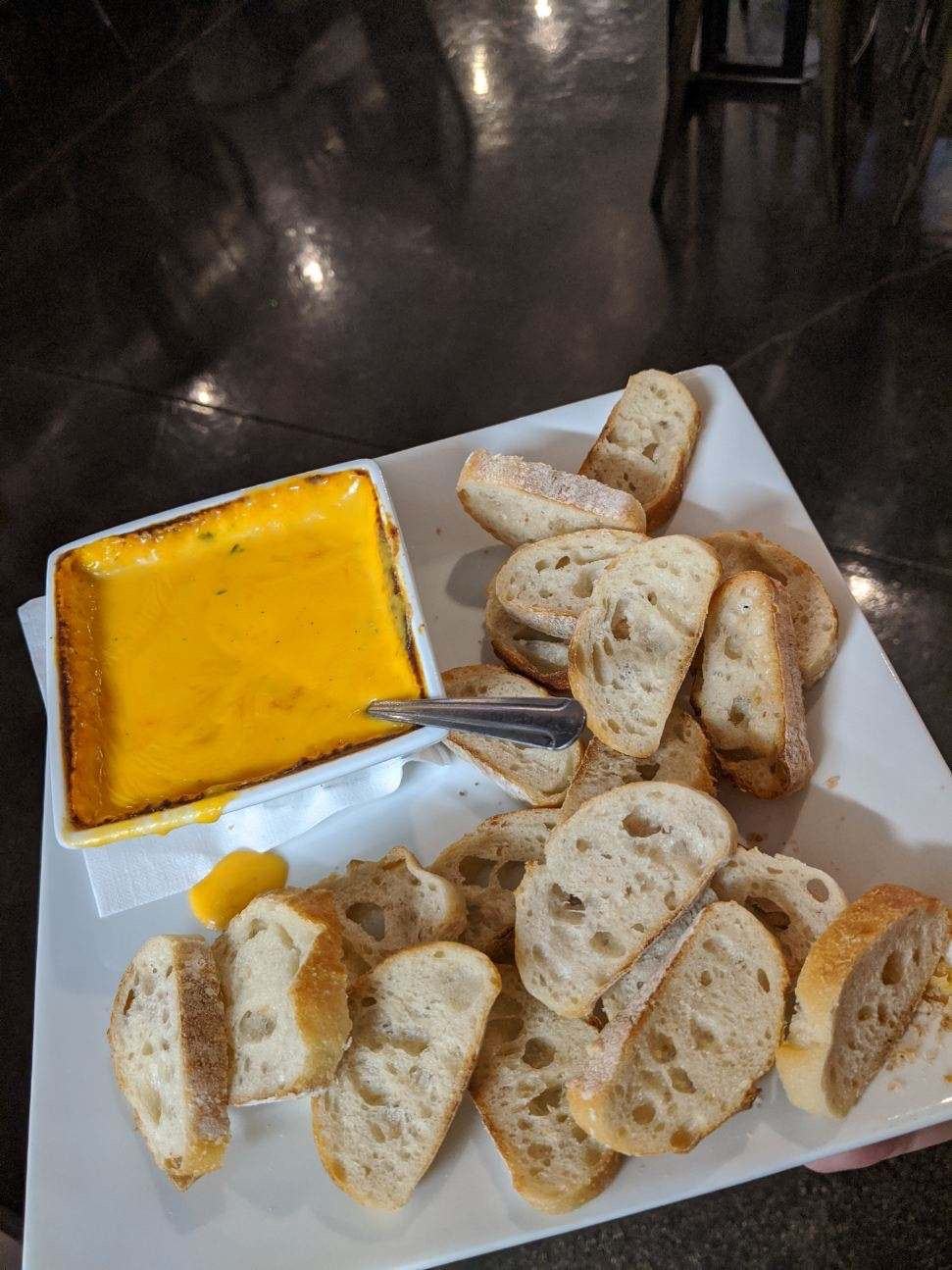 Beer Cheese & Baguettes